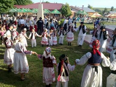 festival-folclor_91376633